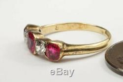 ATTRACTIVE ANTIQUE EDWARDIAN ENGLISH 18K GOLD RUBY & DIAMOND 5 STONE RING c1910
